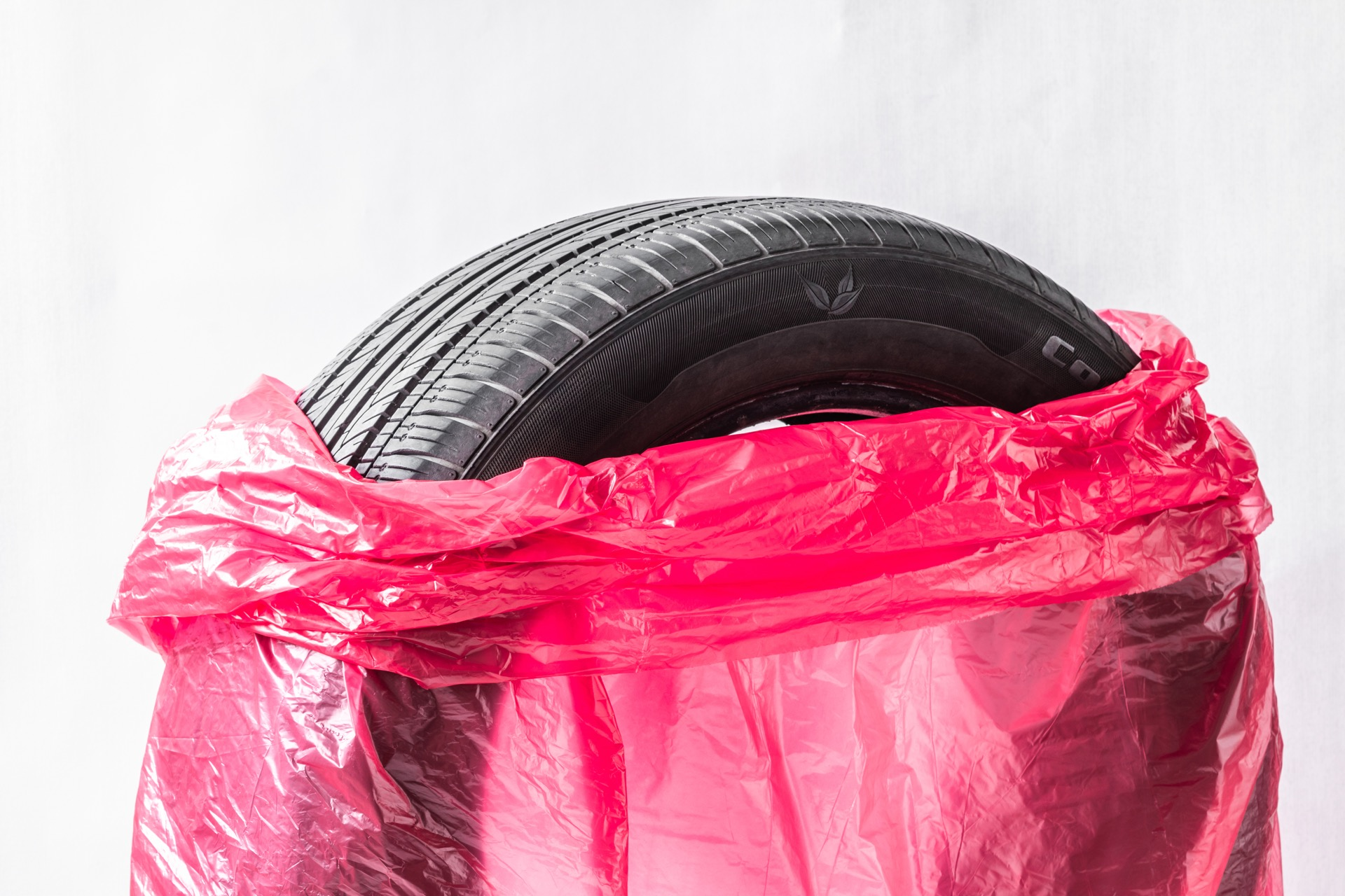 Bagging a tire for storage