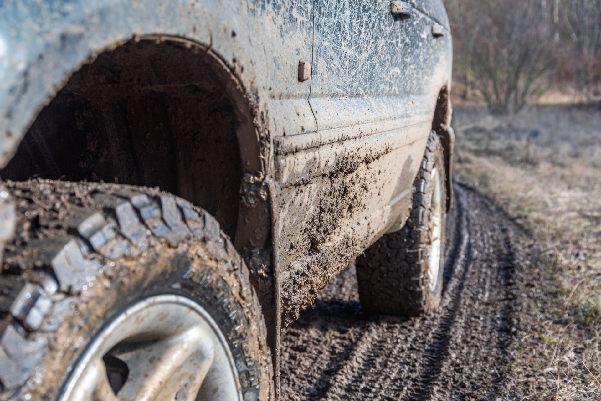 Off-roading truck tires with the correct speed rating